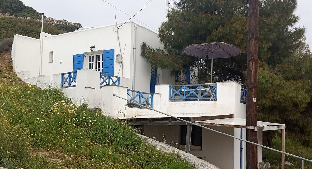 Ενοικιάζονται σπίτι 79 τ.μ. και δίχωρη γκαρσονιέρα 20 τ.μ.. στην περιοχή Γαλησσά Μελαγκούρι δέκα λεπτά  από την παραλία