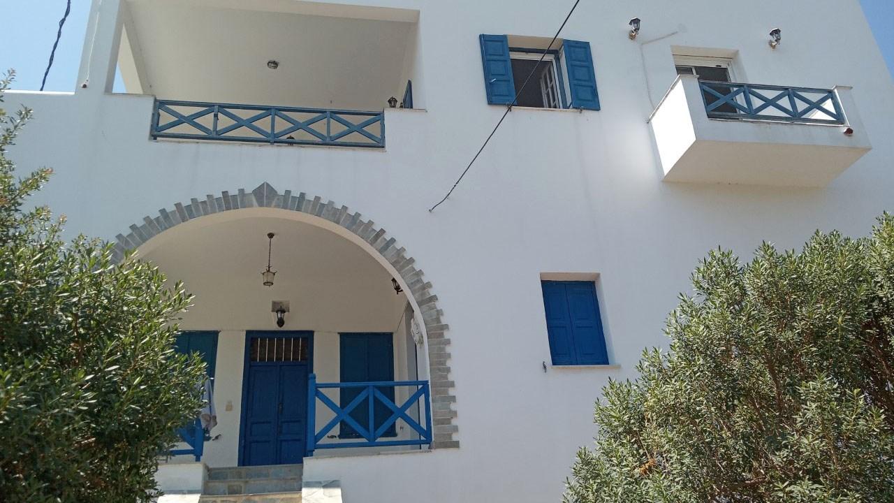 Ενοικιάζεται μεγάλο 5αρι σπίτι καθώς και δίχωρη γκαρσονιέρα στην περιοχή Γαλησσά