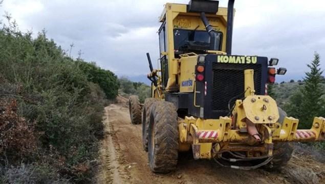 """Σύρος: Υπεγράφη η εργολαβική σύμβαση του έργου """"Συντήρηση - καθαρισμός τάφρων επαρχιακού οδικού δικτύου"""""""