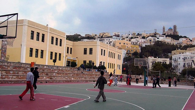 Κλειστά θα μείνουν αύριο τα γυμνάσια της Σύρου