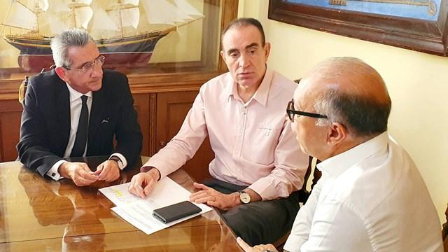 Συνάντηση Νίκου Λειβαδάρα με τον Γιώργο Χατζημάρκο και τον Γιώργο Λεονταρίτη
