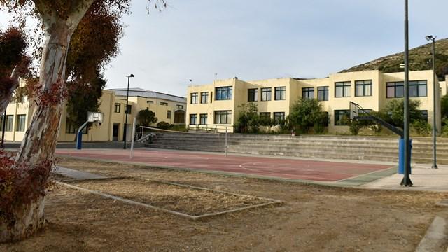 Σύρος: Υπογραφή σύμβασης για την πυροπροστασία των σχολικών μονάδων