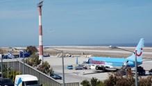 Στην Κοινοπραξία  FRAPORT AG- SLENTEL Ltd τα αεροδρόμια Μυκόνου και Σαντορίνης