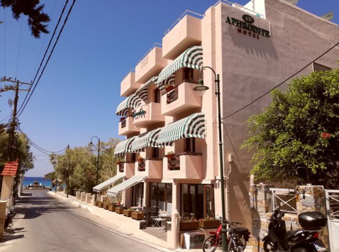 Ζητείται καμαριέρα για σαιζόν σε ξενοδοχείο 12 δωματίων στο Κίνι της Σύρου