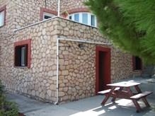 Ενοικιάζεται επιπλωμένη οικία στο Μάννα της Σύρου, δίπλα στα Λύκεια, 73 τμ