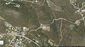 Πωλείται οικόπεδο 2 στρεμμάτων οικοδομήσιμο στη θέση ''Μέρη'' Ποσειδωνίας. Ενοικιάζεται χώρος 50 τμ για γραφείο ή σπίτι στην Ερμούπολη