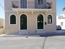 Ενοικιάζεται ισόγειος επαγγελματικός χώρος 72τμ στην Ερμούπολη, επi της  οδού Πρασακάκη