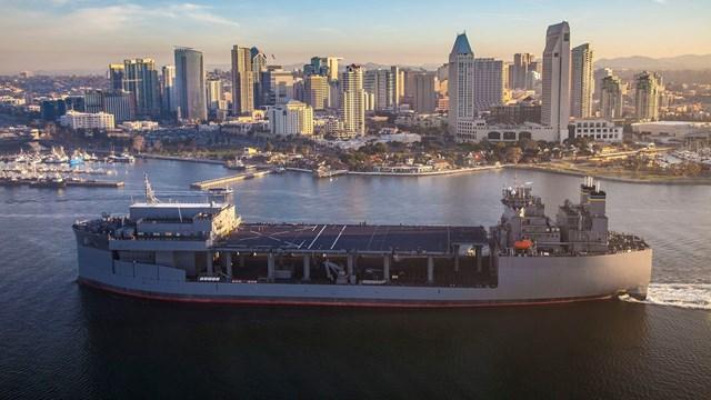 """Τζέφρι Πάιατ: Στην Ελλάδα σύντομα το αμερικανικό ελικοπτεροφόρο USS Hershel """"Woody"""" Williams"""