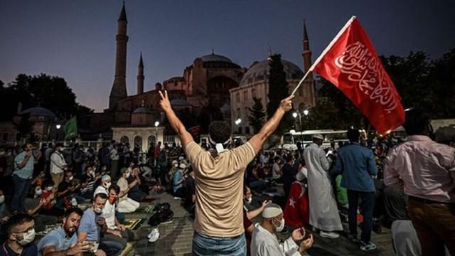 Τρίτη φορά που χάνουμε την πόλη. Η Αγία Σοφία έγινε τζαμί από τους Νεότουρκους του Ερντογάν