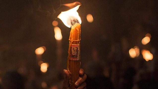 Το Άγιο Φως στη Σύρο