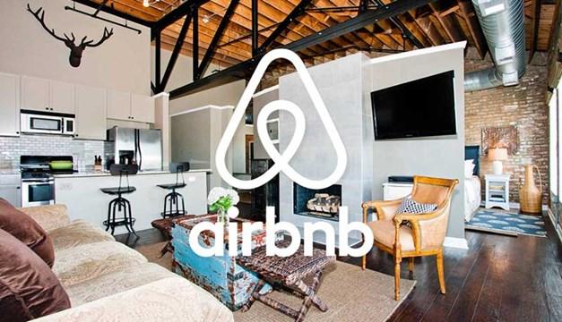 Ζαλίζουν τα έσοδα μέσω AirBnb σε νησιά των Κυκλάδων