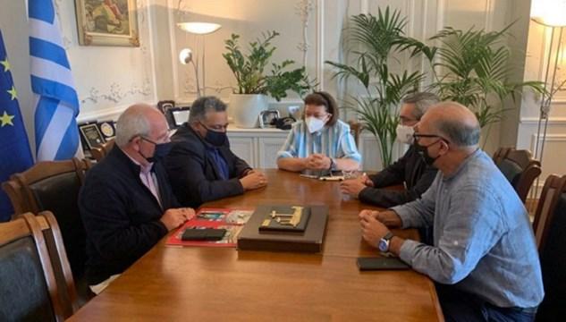 Άνδρος: Συνάντηση του Δημάρχου με την Υπουργό Πολιτισμού