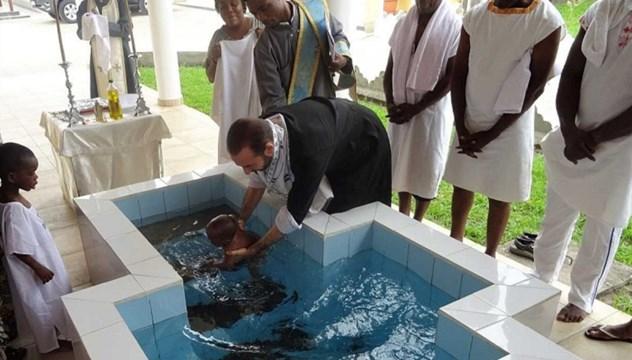 Βαπτίσεις Ορθόδοξων στην πόλη Pointe-Noire