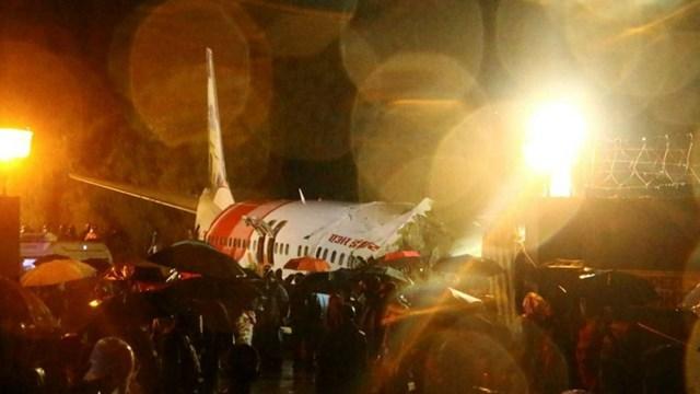 Ινδία: Συντριβή αεροσκάφους με 191 επιβάτες σε αεροδρόμιο
