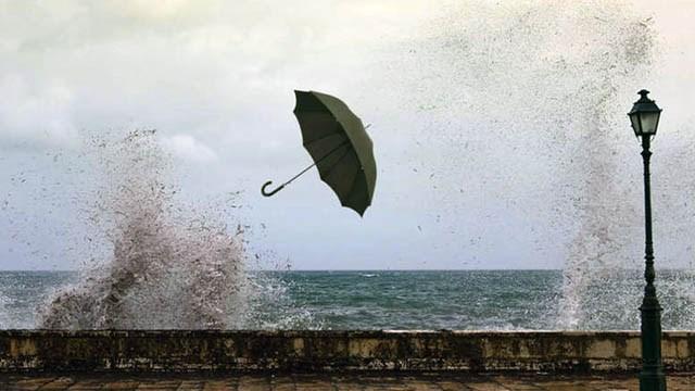 Θυελλώδεις άνεμοι στα νησιά