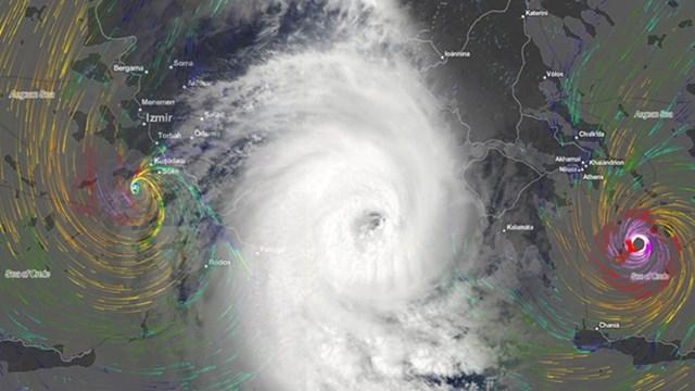 Ώρα με την ώρα η επέλαση του κυκλώνα στις Κυκλάδες