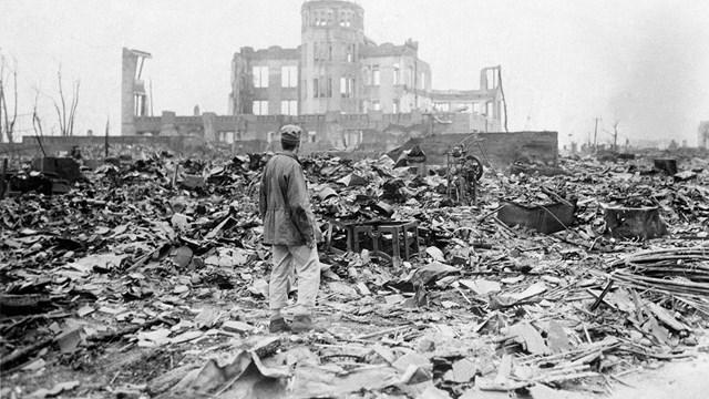 """""""75 χρόνια απ' το ιμπεριαλιστικό έγκλημα στη Χιροσίμα και στο Ναγκασάκι"""""""