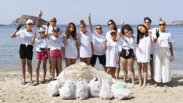Καθαρισμός της παραλίας Κόμητο από τα  Kois Optics