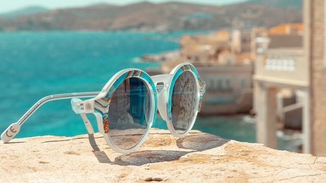 Η συλλογή γυαλιών, εμπνευσμένων από την οροφογραφία του αρχοντικού Κοή, απέκτησε το 5ο κατά σειρά μοντέλο της!