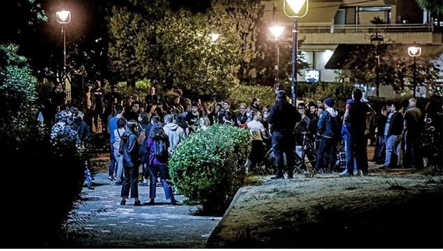 """Κορωνοϊός: """"Λουκέτο"""" στις πλατείες για τον αποκλεισμό του συνωστισμού"""