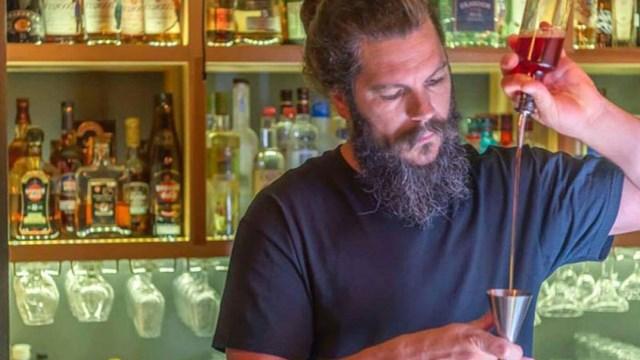 Το Kouchico bar της Σύρου, ανάμεσα στα καλύτερα της χώρας
