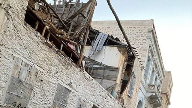 Κατέρρευσε κτίριο στο κέντρο της Ερμούπολης