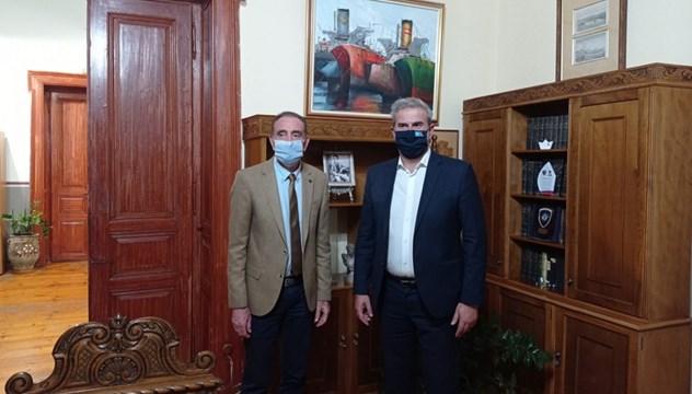 Σύρος: Συνάντηση Νίκου Λειβαδάρα με τον Γενικό Γραμματέα του ΕΟΤ