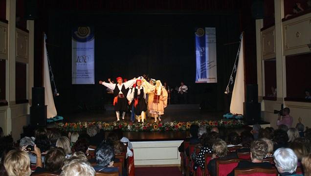 Λύκειο Ελληνίδων Σύρου: Επιστρέφουμε και ξαναρχίζουμε τα μαθήματα χορού και ζωγραφικής