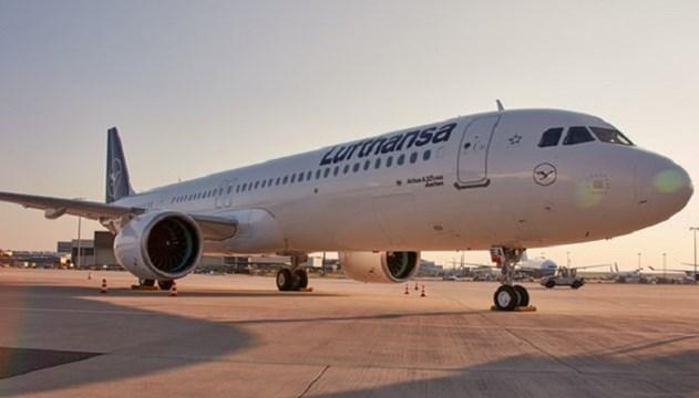 Η Lufthansa σε Μύκονο και Σαντορίνη