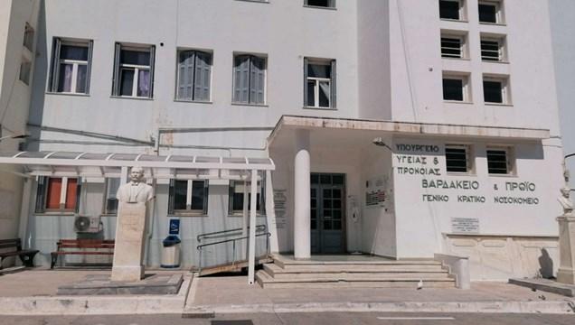 Προσφορά γευμάτων στο προσωπικό του νοσοκομείου Σύρου