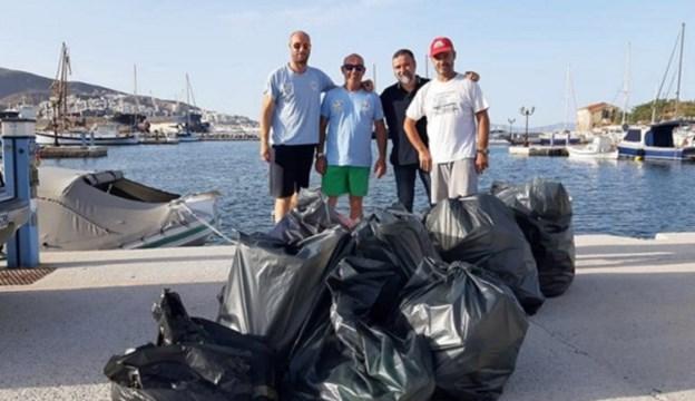 Καθαρισμός της παραλίας Γρίζα Σύρου