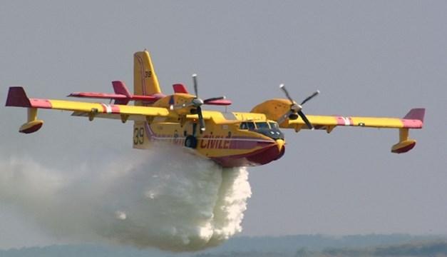 Πάρος: Και εναέρια μέσα στην κατάσβεση της πυρκαγιάς
