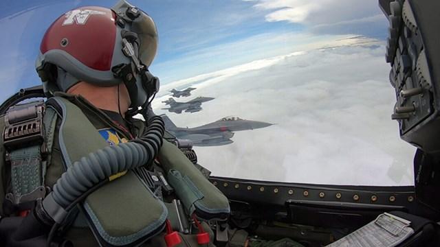 Τα ελληνικά F-16V θα μπορούν να κάνουν ηλεκτρονική κρούση και παρεμβολή σε Α/Α πυραύλους με το ραντάρ APG-83 SABR, όπως τα F-35!
