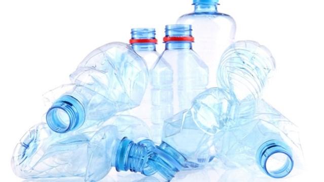 Πλαστικά μπουκάλια: Περιβαλλοντικό τέλος 8 λεπτών από τον Ιουνίου του 2022