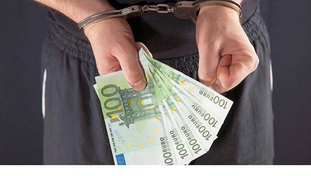 Συνελήφθησαν τέσσερις νεαροί για κλοπές στη Σύρο