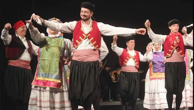Μουσική και παράδοση... συναντήθηκαν στη Σύρο