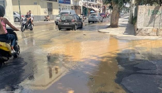 Σύρος: Πλημμύρισε η οδός Ηρώων Πολυτεχνείου