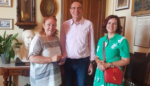 Σύρος: Σύμφωνο συνεργασίας μεταξύ των Δημοτικών Βιβλιοθηκών Χανίων και Σύρου-Ερμούπολης