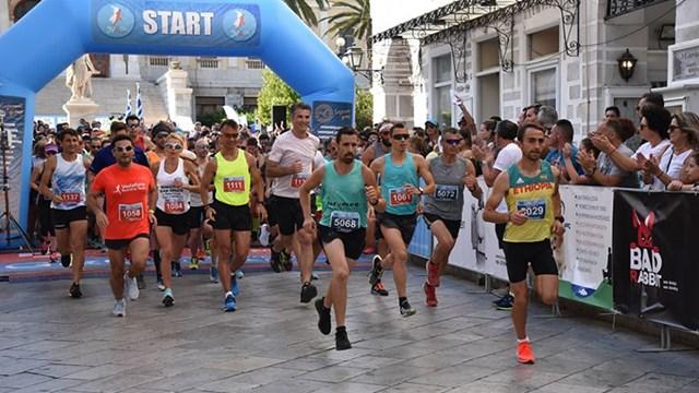 Αθλητές όλων των ηλικιών έτρεξαν στο Syros Run 2019