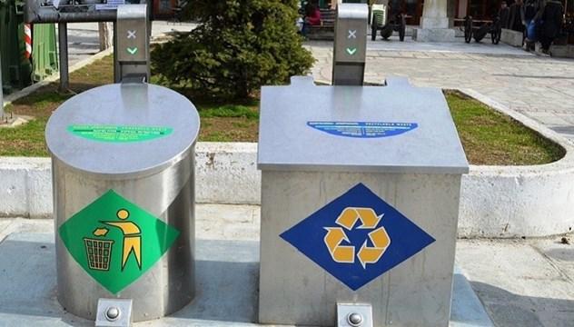 Σύρος: Προμήθεια και εγκατάσταση τριών βυθιζόμενων κάδων απορριμμάτων