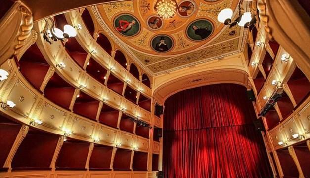 Πρόταση για άνοιγμα του Πολιτισμού: 14 Μαΐου τα μουσεία, 21 τα θερινά σινεμά, 28 τα θέατρα - συναυλίες