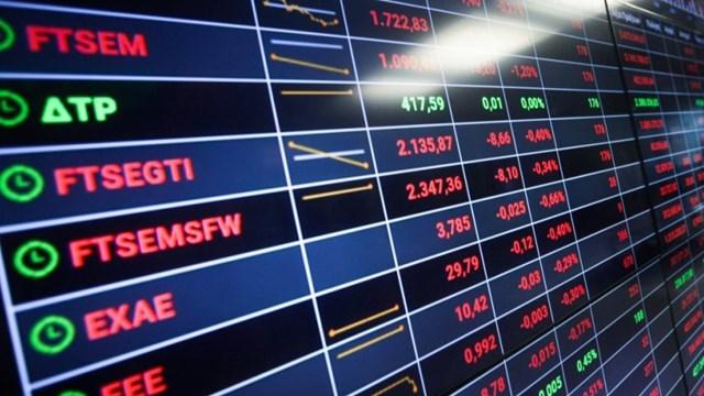 Τουρκία: «Γκρεμίζεται» η τουρκική λίρα, καταρρέει το Χρηματιστήριο της Κωνσταντινούπολης