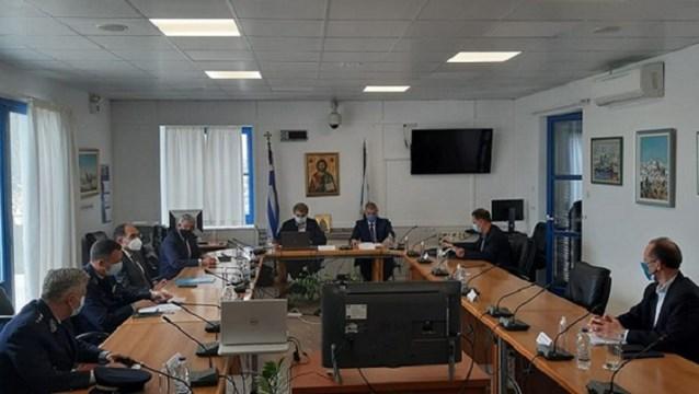"""Χρυσοχοΐδης: Ενίσχυση των Αστυνομικών Τμημάτων όλων των νησιών, ώστε οι Κυκλάδες να καταστούν μια ασφαλής περιοχή"""""""