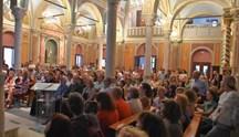 """Συνεχίζεται με εξαιρετική επιτυχία το Διεθνές Φεστιβάλ """"ΑΝΩ"""" στην Άνω Σύρο"""