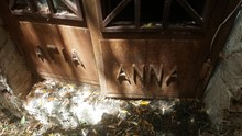 Μια εντελώς άγνωστη, ξεχασμένη και χαμένη εκκλησούλα στην Ερμούπολη
