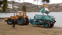 Εργασίες καθαρισμών των παραλιών της Σύρου