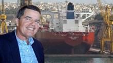Ο Θανάσης Μαρτίνος στηρίζει το ναυπηγείο της Σύρου