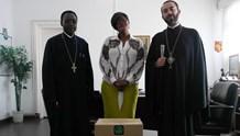 Προσφορά φαρμάκων στο γενικό νοσοκομείο «Adolphe Sice»