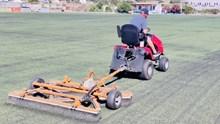 Μύκονος: Ξεκίνησαν οι εργασίες συντήρησης στα γήπεδα ποδοσφαίρου Κόρφου και Άνω Μεράς