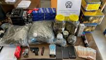 Νάξος: Σύλληψη για διακίνηση ναρκωτικών, κατοχή ειδών πυροτεχνίας και οπλοκατοχή